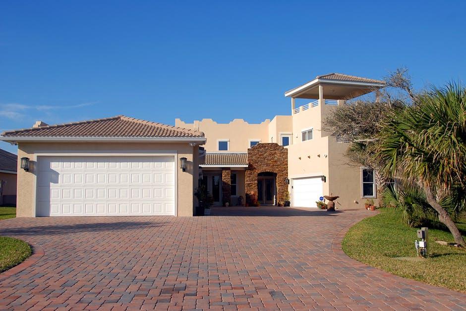 Spanish style house under property management